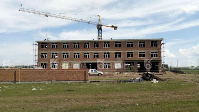 内蒙古海拉尔鸿发祥养殖场办公楼以及养殖场区